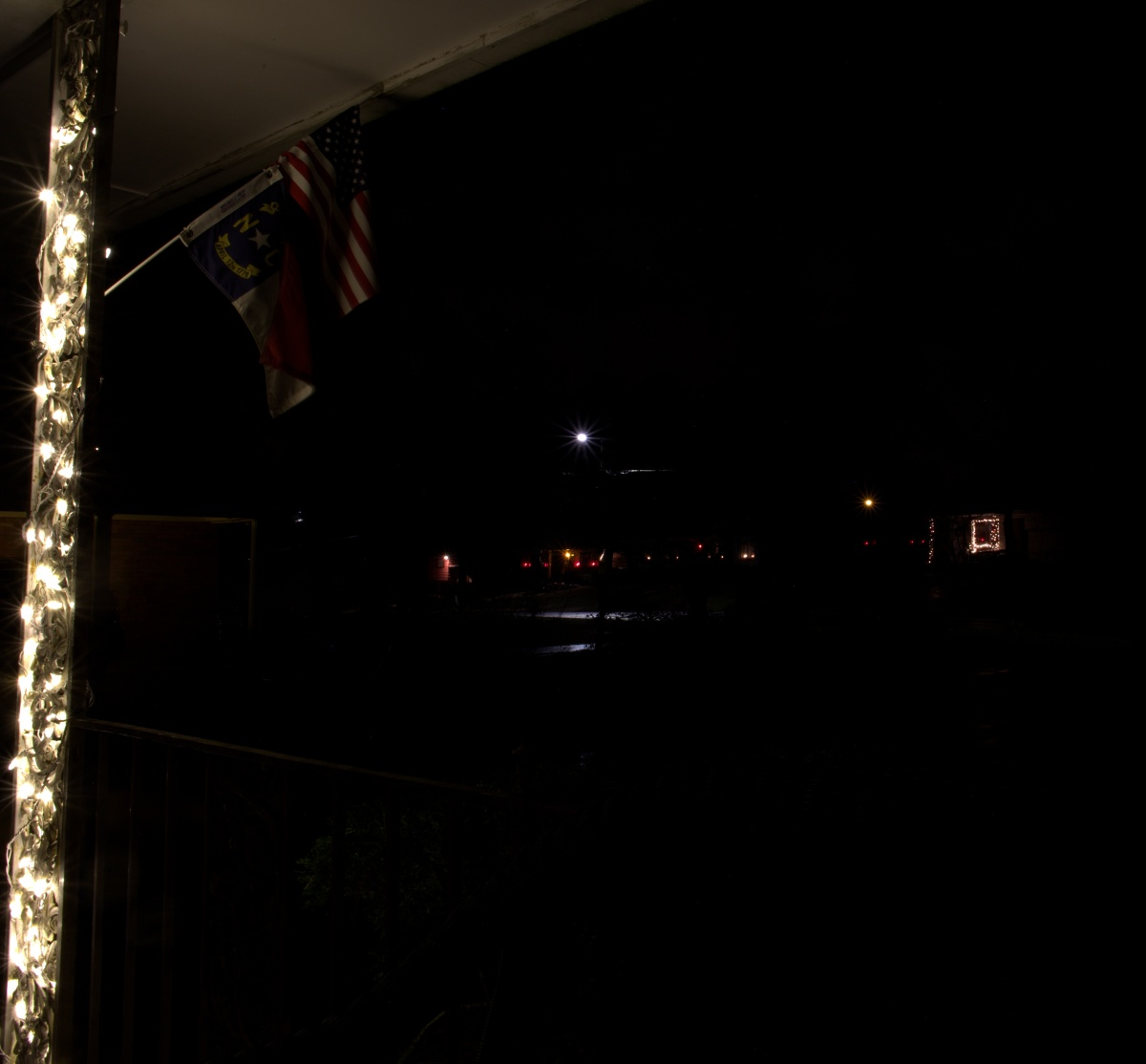 Photography ~ Neighbors Christmas Lighting, 12/23