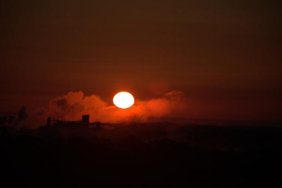 Sunrise + 6 minutes--see all the sun