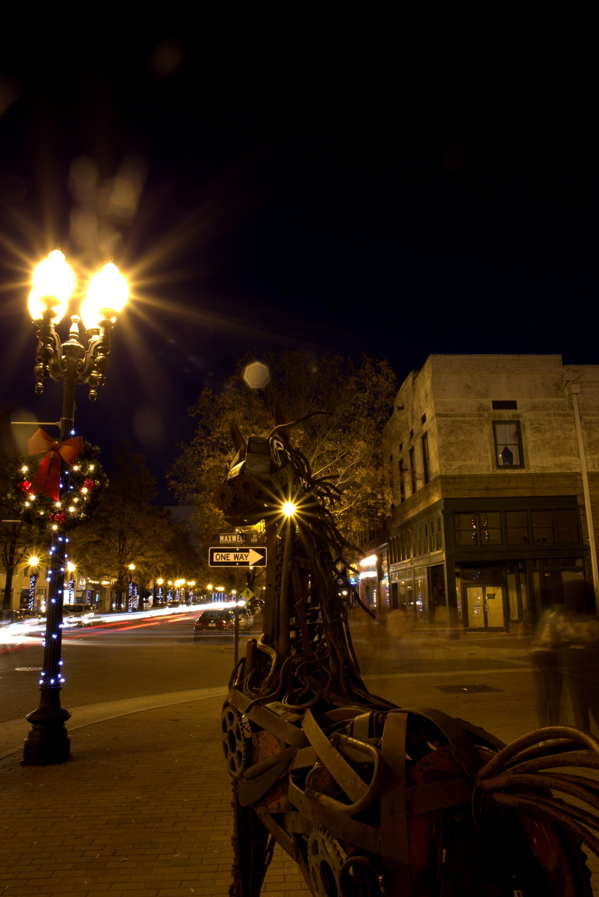 Photography ~ A Dickens Holiday, Fayetteville, NC [Street Scenes the night after],11/26
