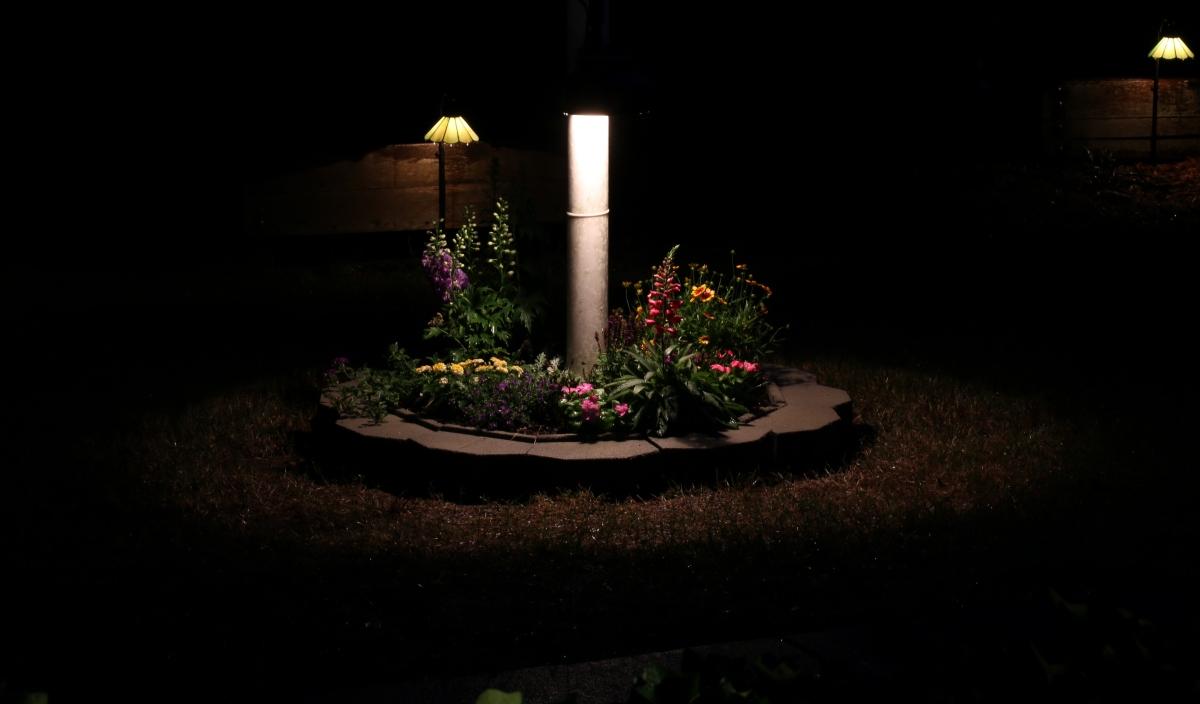 DIY [# 23] ~ Landscape–Flagpole Light, added a hood,06/04