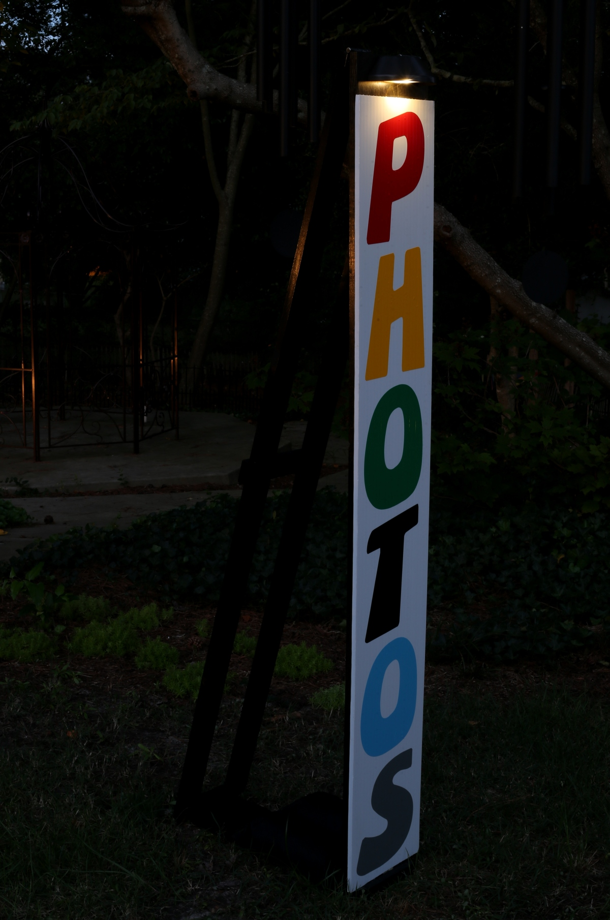 "DIY [# 25] ~ Photography–Built a Stand for my ""PHOTOS"" Sign, 06/27"