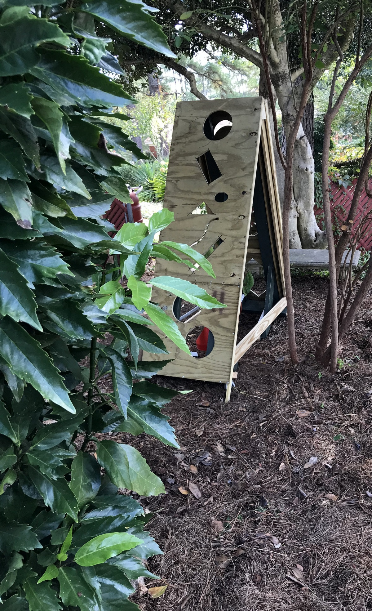 DIY [#32] ~ Mini Greenhouse–Work Continues [Cutouts & Painting],11/01