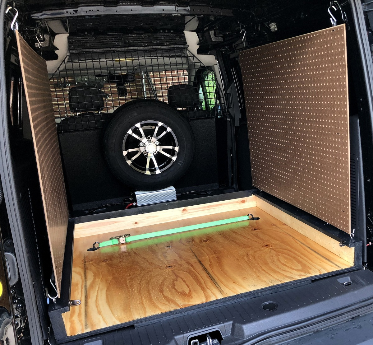 DIY ~ Ford Transit Connect XLT Van [rollout kitchen finishings–the base], 06/27