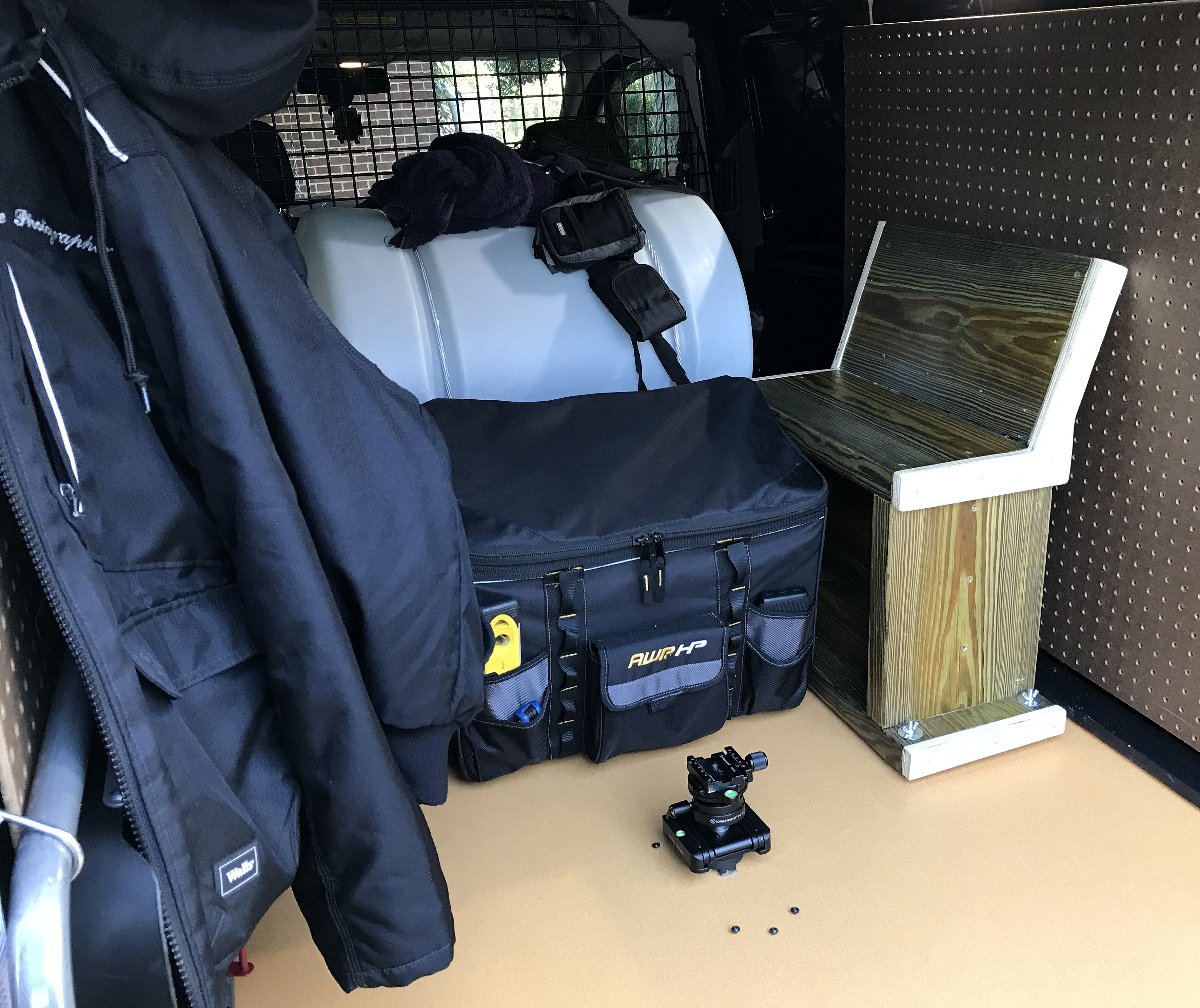 DIY ~ Photographer's Bench/Seat/Stand–Build Complete, 10/22